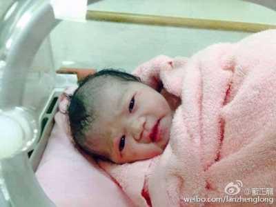 """蓝正龙女儿""""小篮球""""出生 蓝正龙女儿小篮球"""