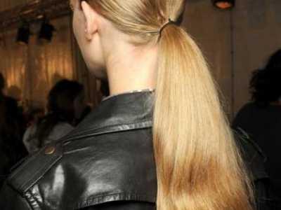 金庸时空 医生摸着我的花蕊 今年最流行的女发型