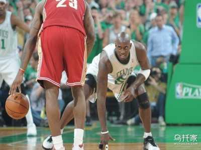篮球裤里面穿的长裤叫什么 打篮球有穿篮球裤不