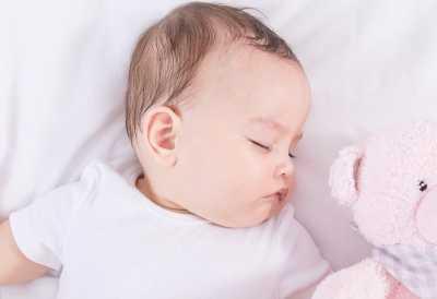 新生儿睡眠少怎么回事 婴儿睡眠少的原因
