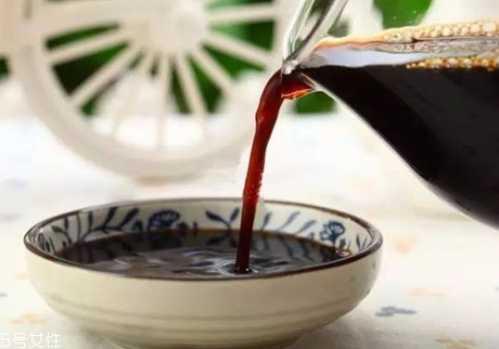 醋为什么是黑色的 黑色是一种颜色吗