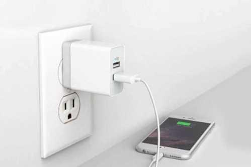 长时间不拔手机充电器到底会怎么样 手机充电过久会怎样
